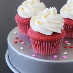 Red Velvet Cupcakes with Vanilla Butterc..