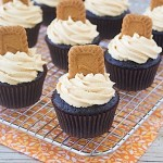 Dark Chocolate Biscoff Cupcakes